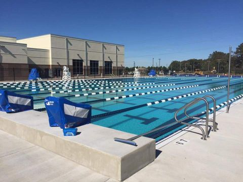 picture of the Princess Anne Family YMCA outdoor pool